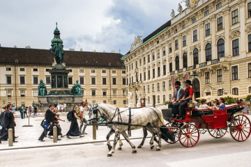 VIENNA: NON-STOP ROUNDTRIP FLIGHT TICKET FLIGHT FROM NORWAY, DENMARK  AND SWEDEN  FROM 10 EUROS