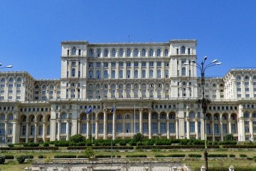 LONG WEEKEND BUCHAREST: NON STOP ROUND TRIP FLIGHT + HOTEL 3 * (3 NIGHTS) FROM (ITALY, BELGIUM AND GERMANY) FROM 64 EUROS