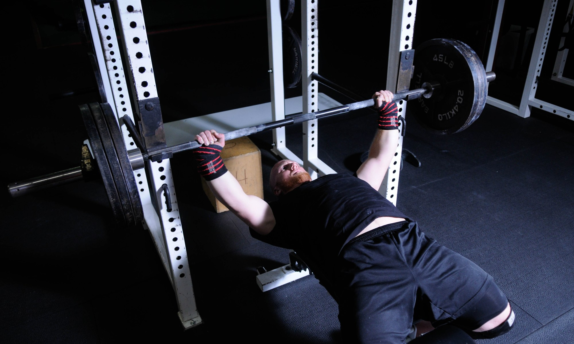 The Bench Press Arch: 4 Reasons Why You SHOULD Use It - TONY BONVECHIO