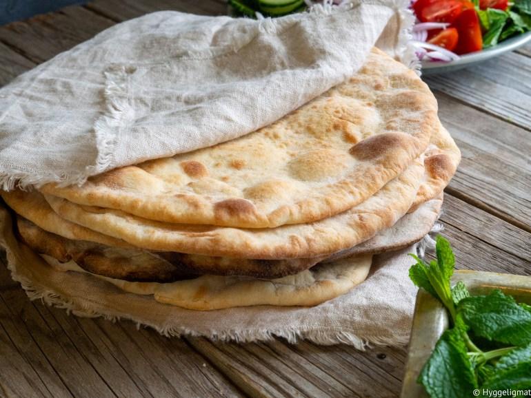 Taboon er et mykt flatbrød fra regionen Levanten. Dette brødet har du trolig vært borti hvis du har spist en rullekebab eller en falaffelrull.