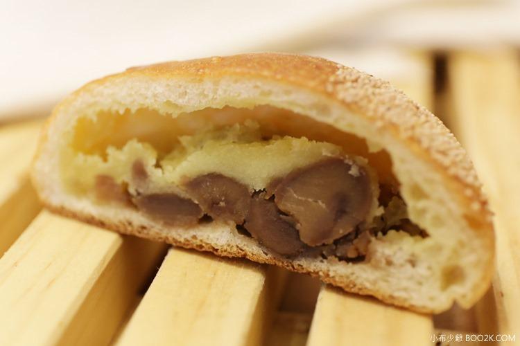 [東區麵包]一禾堂麵包本鋪 日式麵包 蛋糕,有整顆栗子當內餡的栗子麵包IMG_3804