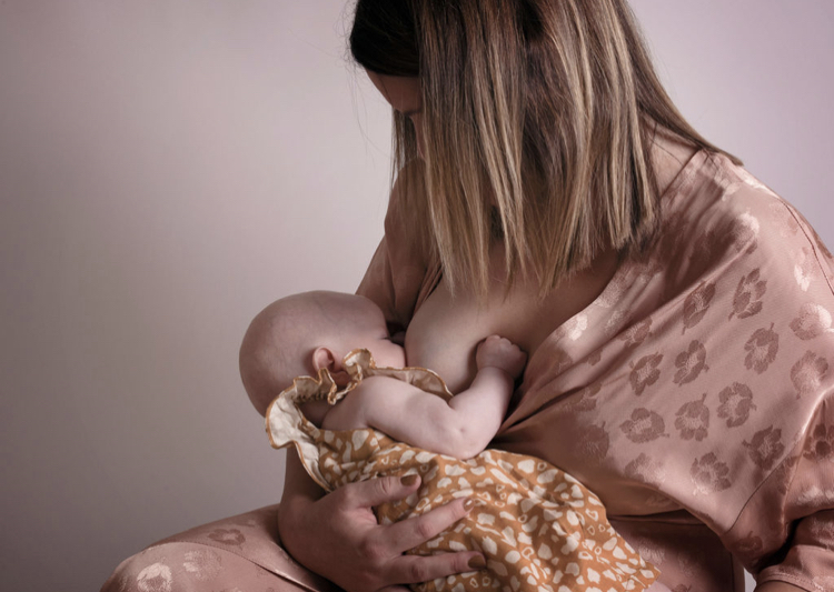 what to expect with breastfeeding
