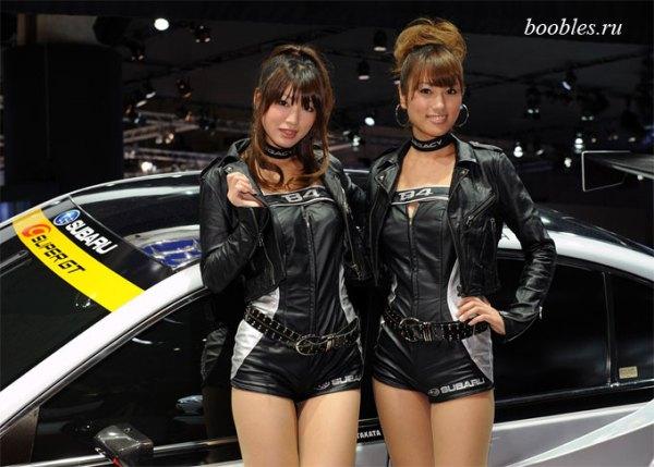 Стильные автомобили и красивые девушки на авто шоу | Boobles
