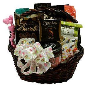 valentine day snacker Gift Basket