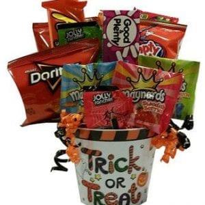 Halloween gift baskets canadatrick or treat gift baskets toronto halloween fun negle Images