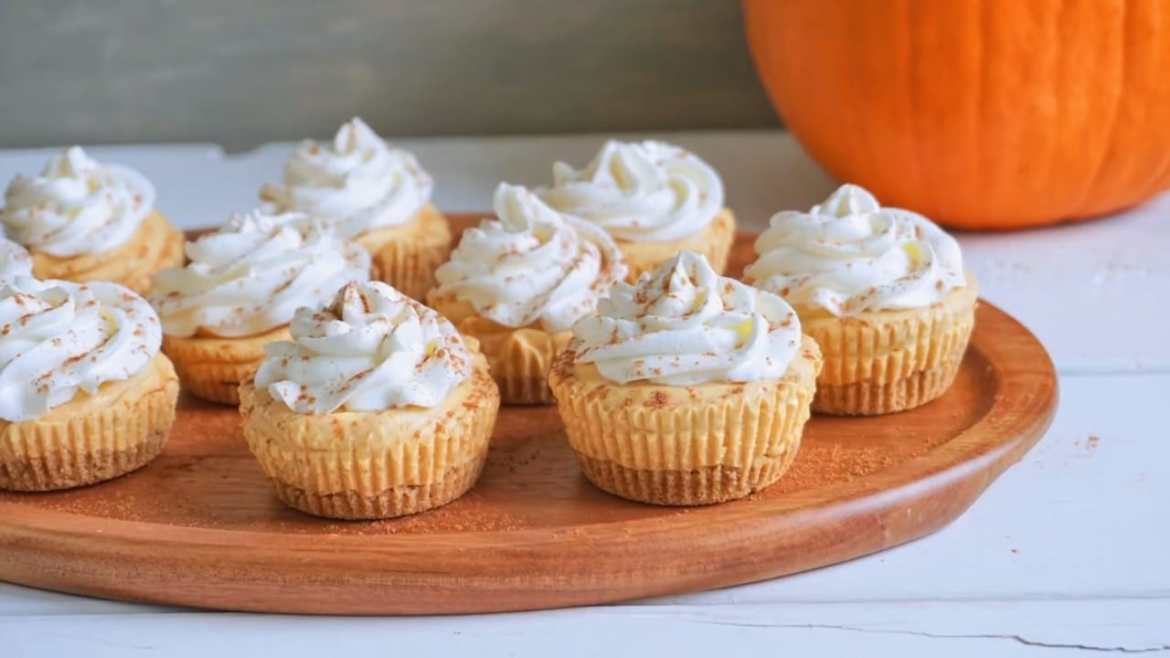 NO-BAKE Mini Pumpkin Cheesecake Bites