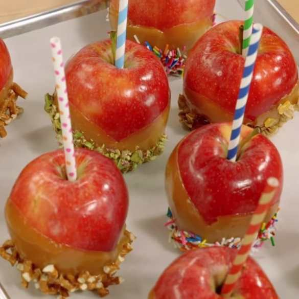 DELICIOUS Caramel Apples! (made by Anna Olson)
