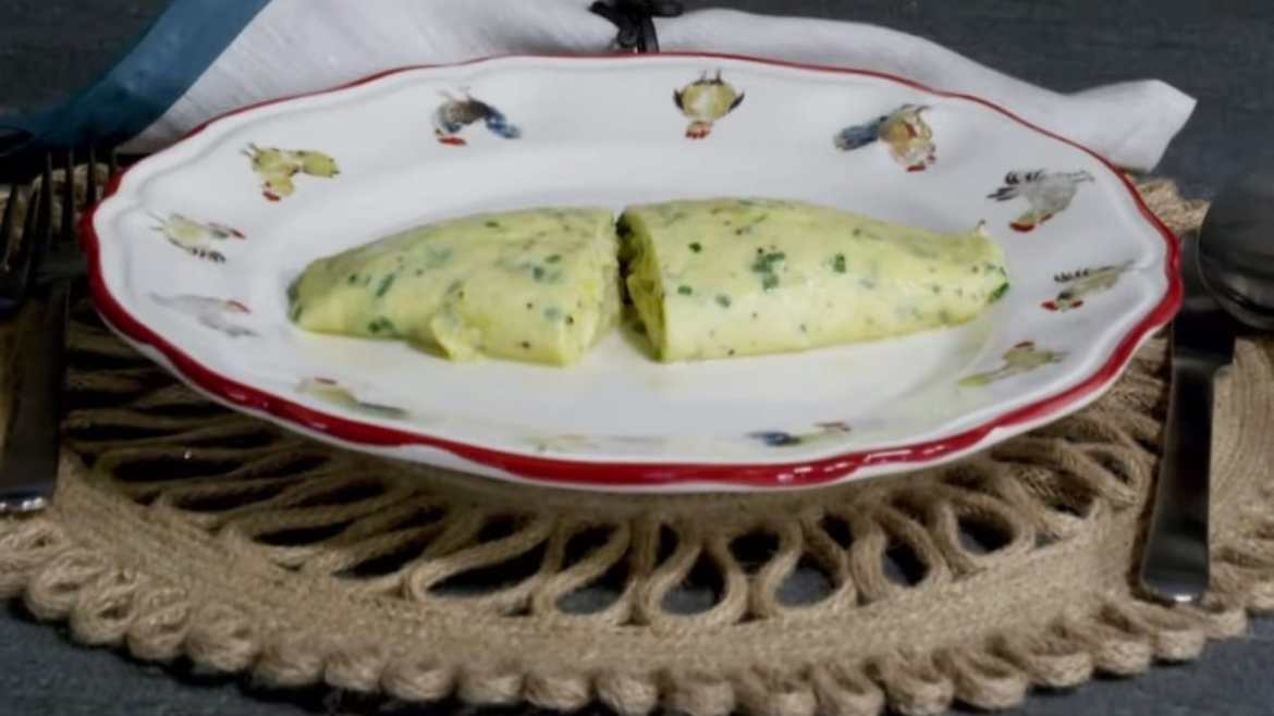 French Omelette made by Chef Jacques Pépin