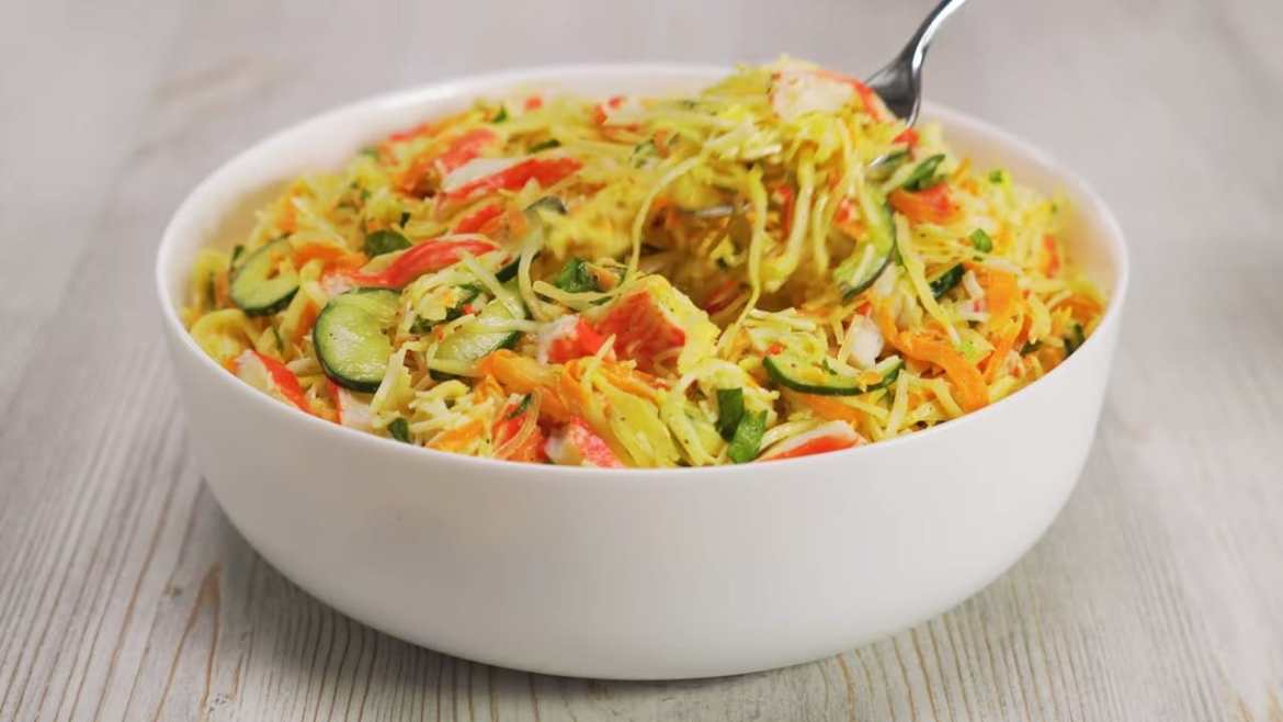 FRESH & EASY | Vegetable Salad With Crab Sticks In 20 Minutes