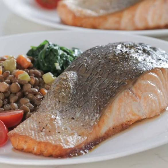 Easy-and-Healthy-Baked-Salmon-with-Lentils