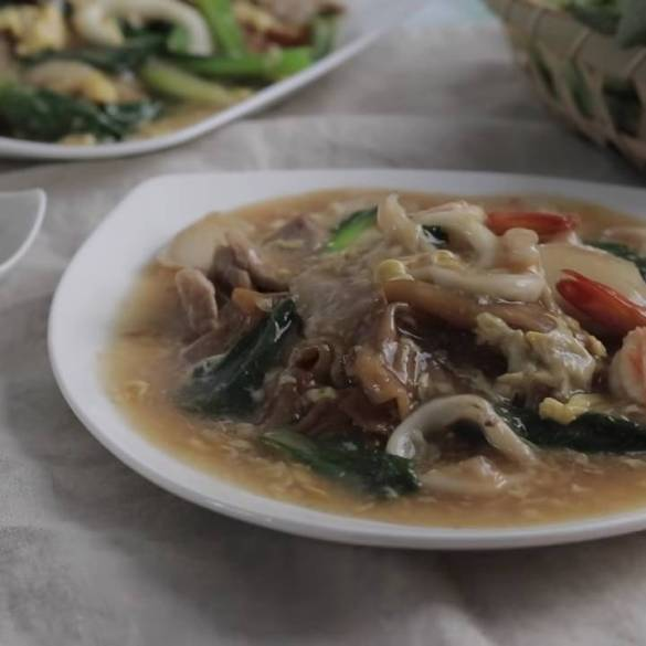 Home-cooked-Tasty-Fried-Hor-Fun-Kway-Teow