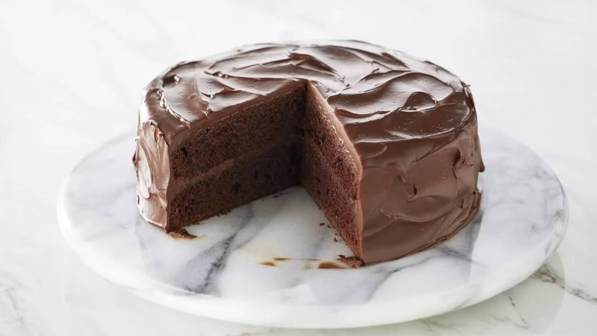 Professional Baker Teaches You How To Make CHOCOLATE CAKE!