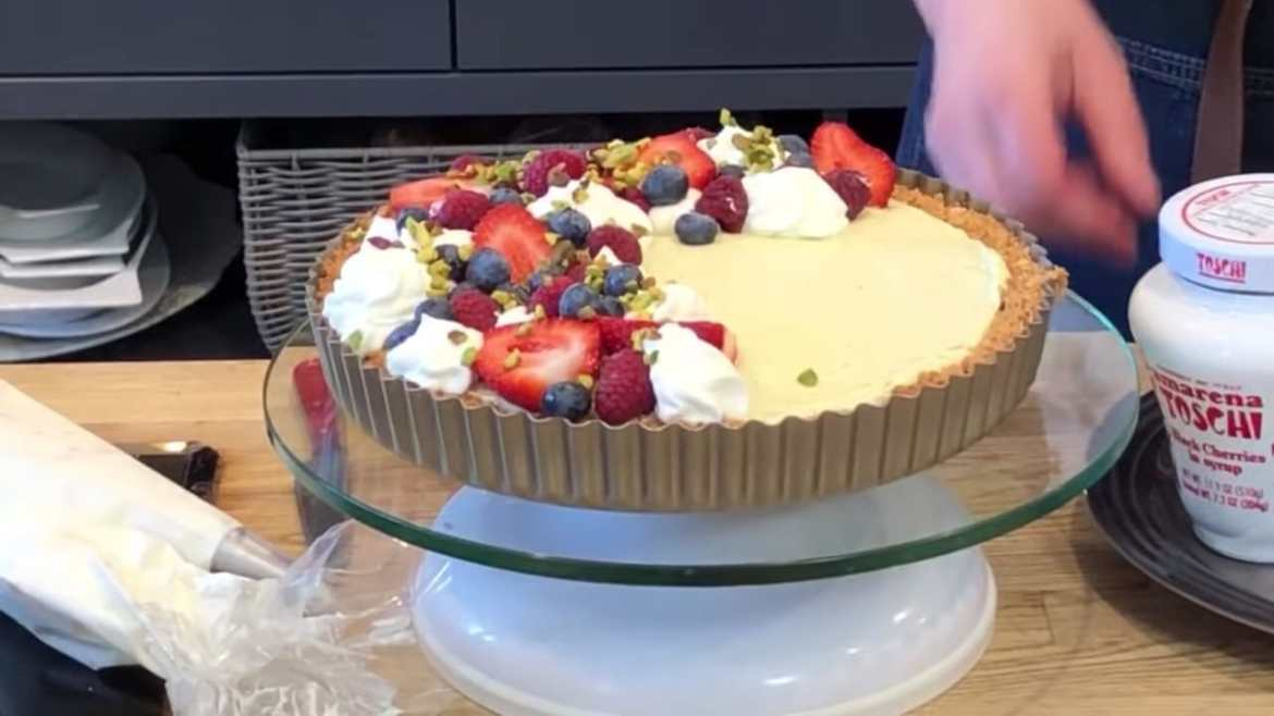 Professional Baker Teaches You How To Make TARTS