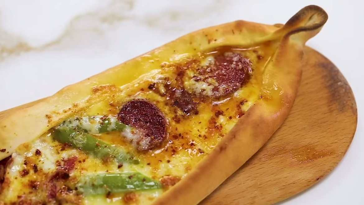 Legendary PIDE recipe! Some call it Turkish Flat Bread! Simple, vegeterian and full on versions
