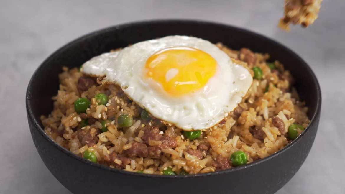 Delicious FRIED RICE With MINCED MEAT In 30 Minutes
