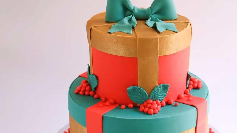 Fondant Christmas Gift Cake Tutorial