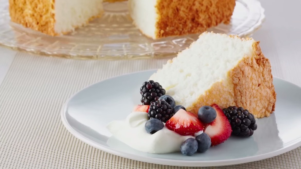 Professional Baker Teaches You How To Make ANGEL FOOD CAKE