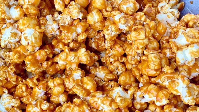 PopCorn salted caramel recipe - Movie night snack recipe
