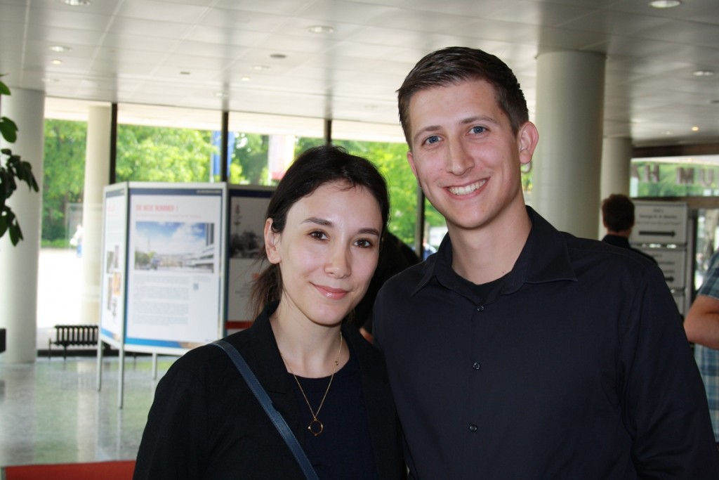 Sibel Kekilli (Darstellerin der Shae in Game of Thrones) und ich auf dem Harbourfront Literaturfestival 2015 in Hamburg