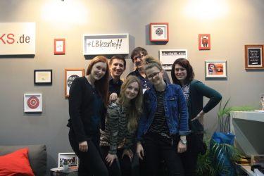 Saskia, Laura, Tina, Marina, Marcel und ich beim LovekyBooks.de Messestand