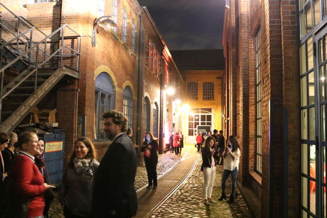 Der noch leere Bereich am Carlsen Verlag kurz vor der Potternacht