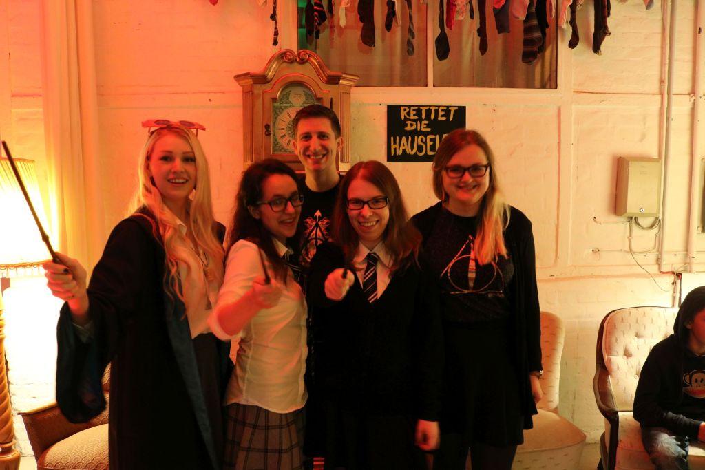 Rettet die Hauselfen - Mit unserem zauberhaften Team kein Problem - V.l.n.r.: Lea, Bianca, ich, Simone, Sanne