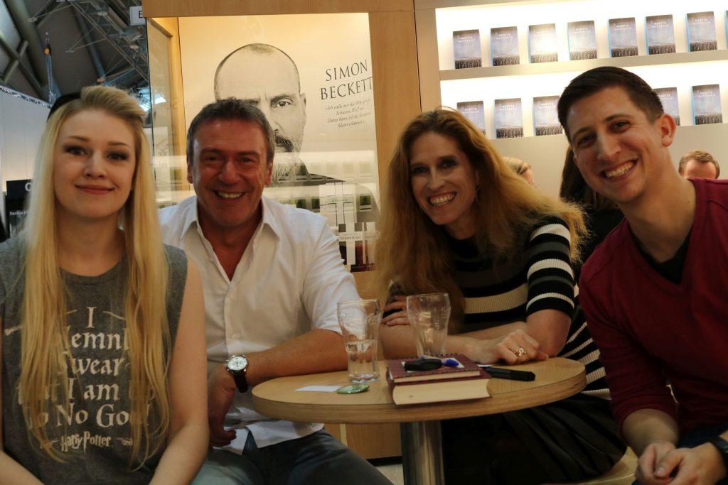 v.l.n.r.: Lea (Liberiarium), Arno Strobel, Ursula Poznanski und ich