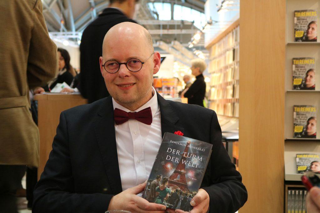 """Benjamin Monferat stellt sein neues Buch """"Der Turm der Welt"""" beim Rowohlt Verlag Bloggertreffen vor"""