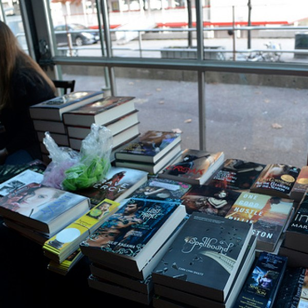 Recap: The best book blogging event ever, or the Ontario Book Bloggers Meet-Up 2012!
