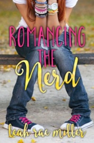 {Review} Romancing the Nerd by @LeahR_Miller @EntangledTeen
