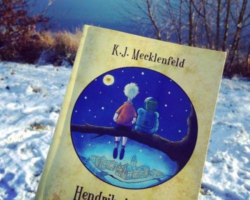 Recenzie  Hendrik de Mol și Planeta de Aur, K.J. Mecklenfeld