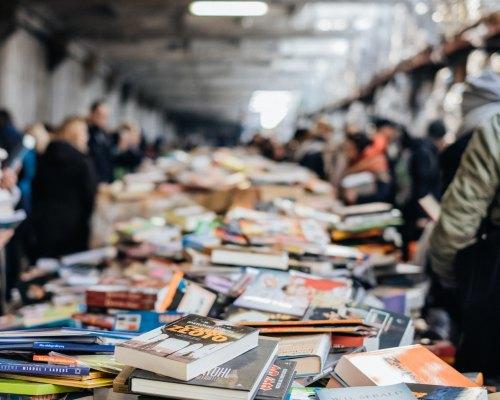 Mare de cărți, oameni și zâmbete: Târgurile de carte la care (tot) promit să ajung