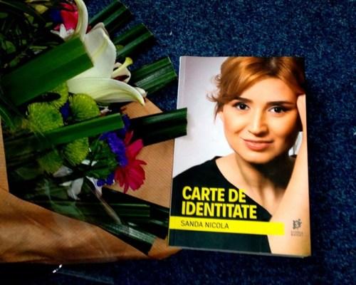 Carte de identitate, Sanda Nicola (Storia Books) – Recenzie