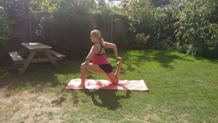 Low lunge quad stretch
