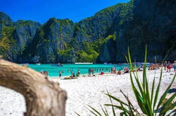 Общественные пляжи Таиланда открываются с соблюдением правил безопасности
