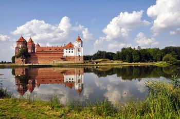 Россия и Беларусь договорились поэтапно возобновлять транспортное сообщение