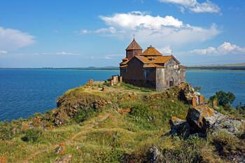 В Армении продлили режим ЧП до 13 июня