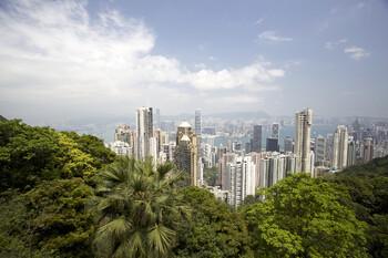 В Гонконге вновь вводят ограничения из-за коронавируса
