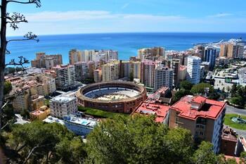 В Испании закрываются пляжи из-за риска роста заболеваемости