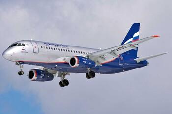 В Шереметьево экстренно сел SSJ-100 с отказавшим двигателем