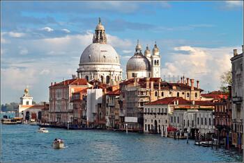 В Венеции на год отложили введение налога на краткосрочный въезд в город