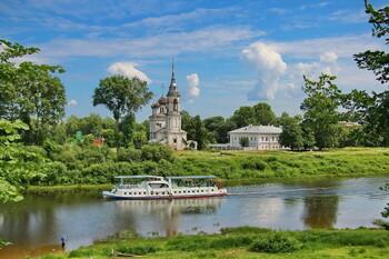 В Вологде затонул прогулочный теплоход
