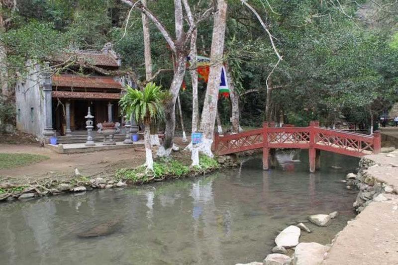 đền thờ chàng rắn