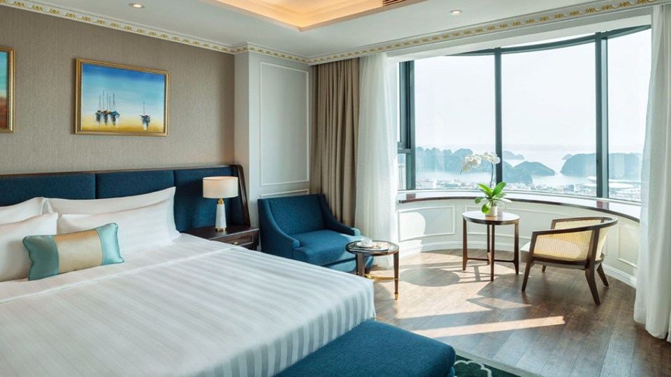 Phong Grand Suite Bay View