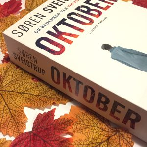 Oktober van Soren Sveistrup