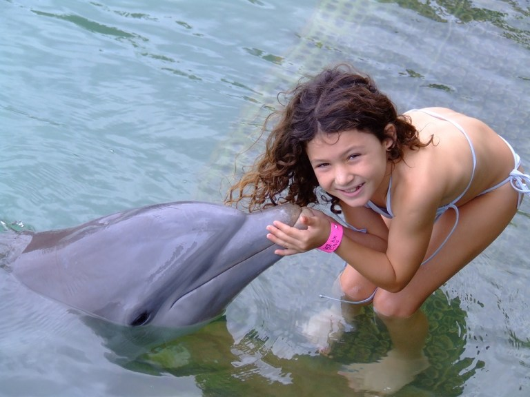 dolphin-cove-family-vacations-3