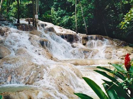 Dunn's River Falls from Grand Palladium | Book Jamaica Excursions | bookjamaicaexcursions.com | Karandas Tours
