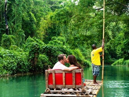 Martha Brae River Rafting | Book Jamaica Excursions | bookjamaicaexcursions.com | Karandas Tours