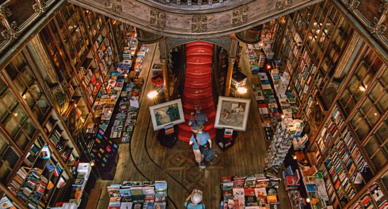 Livraria Lello, Bookshops by Jorge Carrión