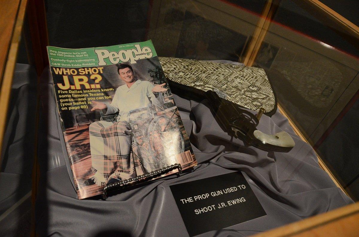 Обложка журнала People о сериале «Даллас»